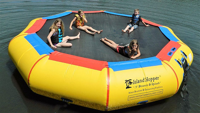Islant Hopper Bounce N Splash 17'